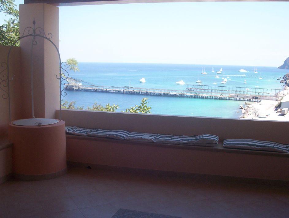 Lipari zona porticello balneare affitto vacanze per for Case arredate in affitto porticello
